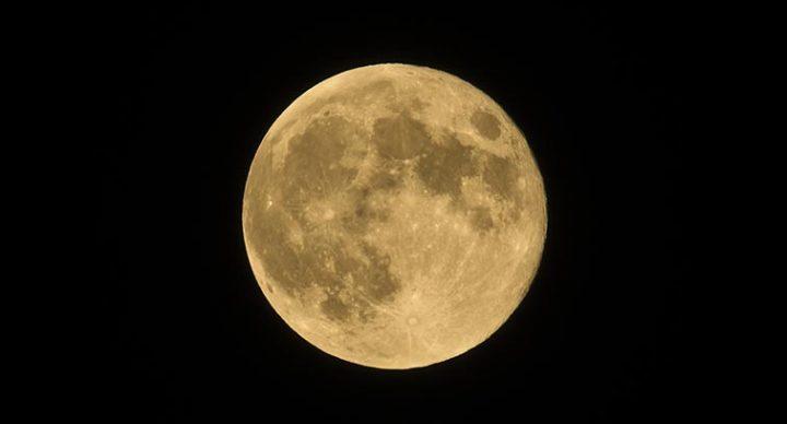 Meditation during the Lunar Eclipse